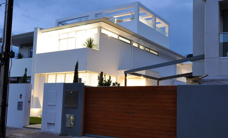 Contemporay New Build with Lift in Glenelg